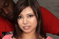 Japanese Massagist Works Abroad Erena Sasamiya